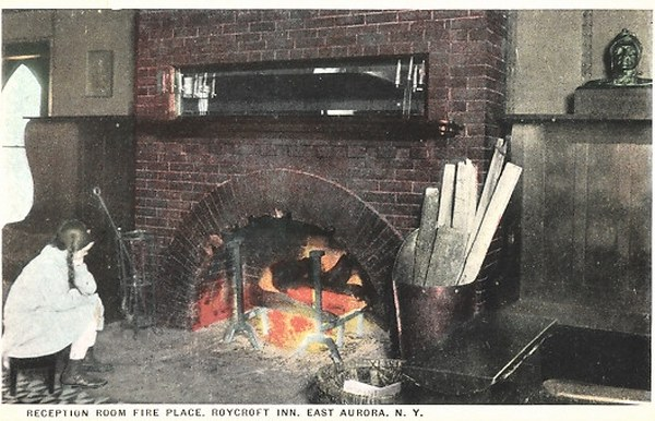 AK-East-Aurora-NY-Hotel-Roycroft-Inn-Reception-Room-Fire-Place-Kamin++++++++++_600x386