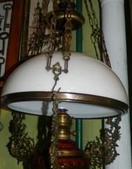 LAMPA NAFTOWA _ A -biały klosz